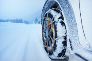How to drive with car tire chains.