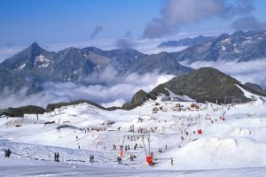 Summer skiing in Les 2 Alpes