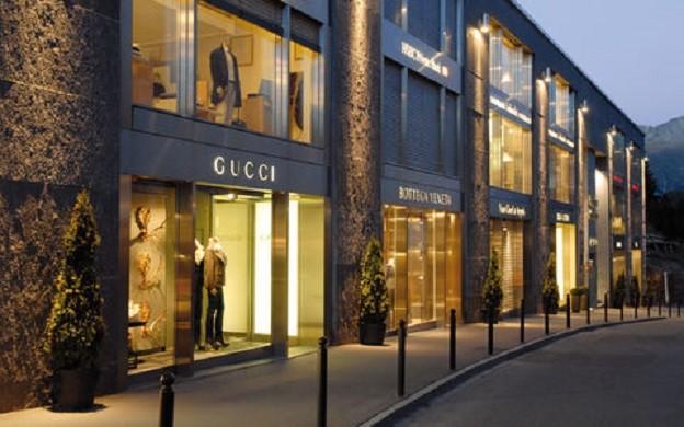 Shopping at St. Moritz