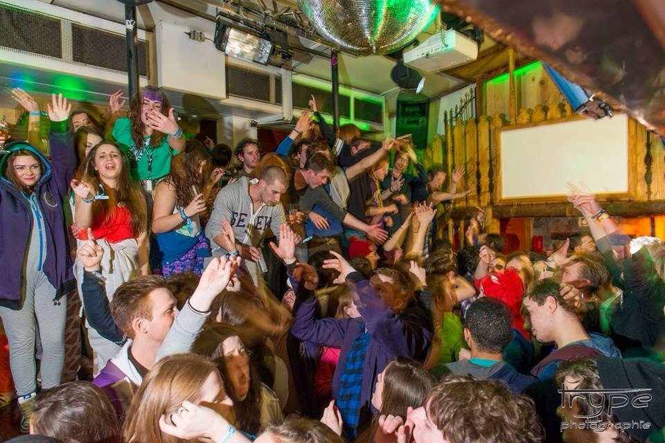 Party late in Les 2 Alpes