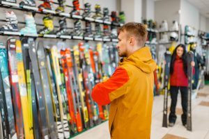 Tips Up: Expert Advice on How to Buy Skis for 2021/22