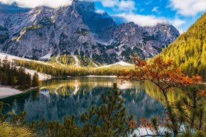 Best summer hiking lakes Colorado