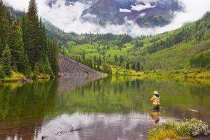 Fly_fishing_mountain_town
